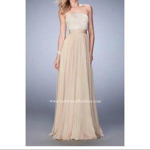 Alluring Chiffon Gown w/Straight Across Neckline